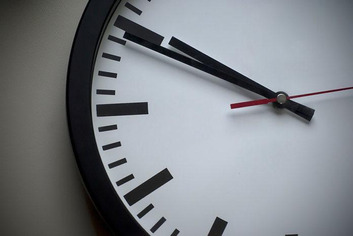 7 designerskich zegarów ściennych