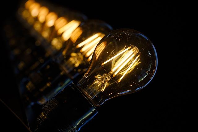 Najlepsi producenci oświetlenia – jakiej marki lampę wybrać?