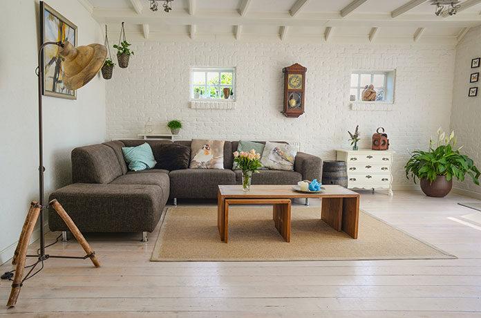 Modne dekoracje wnętrz gwarantem udanej stylizacji pomieszczeń