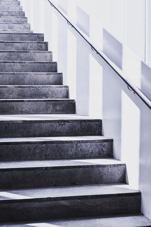 Jakie wybrać listwy schodowe
