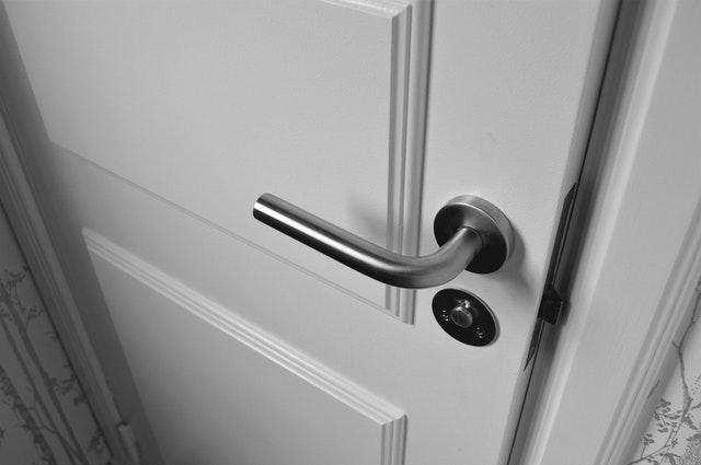 jakie drzwi kupić